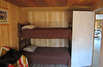 Hunting Lodge Bedroom Pictures in Winnipeg, Manitoba